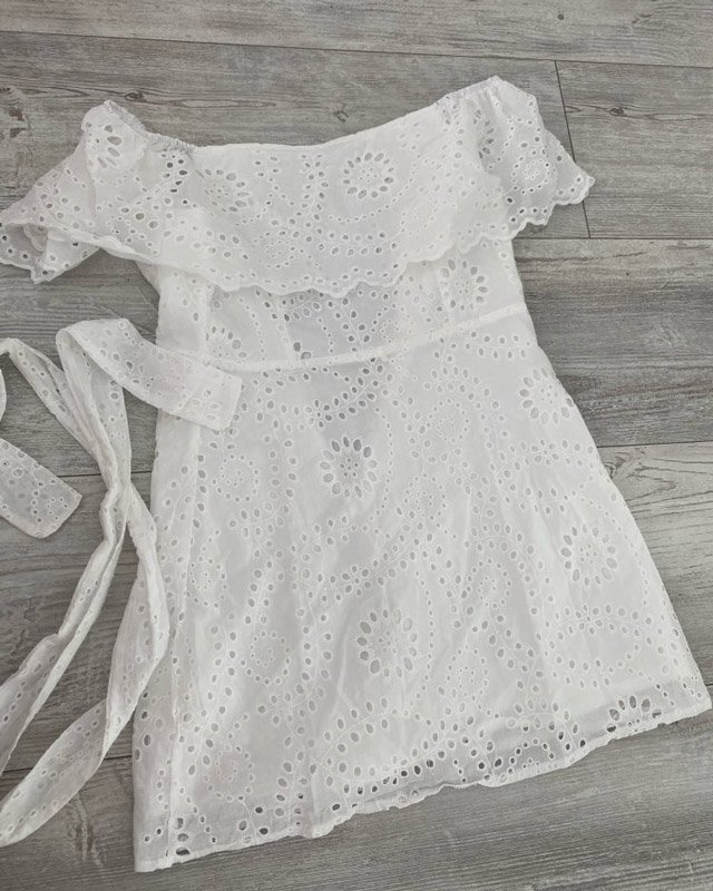 Vestido Branco Curto Ombro a Ombro