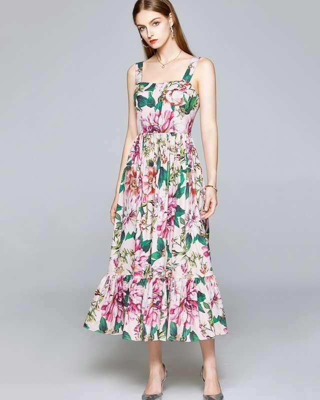 Vestido Florido com Saia de Babado